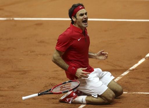De esta forma celebra Federer al ganar la #CopaDavis por primera vez http://t.co/ZwFP5qlFeY