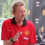 PIC: The King of the Stretford End is in Santiago. Find out why Denis Law is there, here: http://t.co/ftNlQXSyS4 http://t.co/Hw715HcrqI