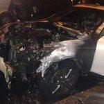 Злоумышленники сожгли машину пресс-секретаря Виталия Кличко http://t.co/RkcqiwCAUk http://t.co/NDWOlreaqC