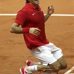 Report: Vintage Federer seals first Davis Cup for Switzerland http://t.co/y91vHqPSS0 http://t.co/FsIzQS4d6A