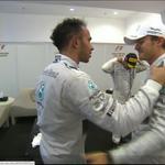 """""""@a3formula1: El saludo de dos amigos y compañeros #A3F1AbuDabi http://t.co/96h4qMOe8n http://t.co/9bB6dCKjIs"""" Un señor Nico Rosberg."""