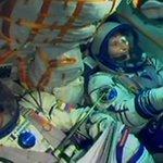 Cominciato viaggio Samantha verso lISS, lanciata Soyuz #Futura42 #astrolucarisponde http://t.co/grHzQ6aIIK http://t.co/gUlD5EYWXZ