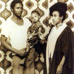 Former President Umaru Musa Yaradua with his wife,Turai & daughter in the late 70s when he was a University lecturer http://t.co/pyquY3Q7Ng