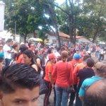 #PSUVSeOrganizaYElige @Adan_Coromoto Masiva participacion del pueblo chavista en Barinas!! @NicolasMaduro Venceremos! http://t.co/15pKHmQKnO