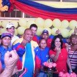 Qué alegría del pueblo chavista celebrando esta fiesta democrática #23NVotaPSUV y el #FelizCumpleanosNicolasMaduro http://t.co/86P8OtJqZG