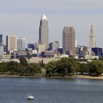Cleveland police fatally shoot boy with replica gun http://t.co/KeclB5eL6H http://t.co/mC6v54F95y