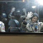 Samanta Cristoforetti parte da Baikonur verso lISS LE FOTO #Futura42 #astrolucarisponde http://t.co/KpAn7USvfU http://t.co/XdbNq1tqUQ