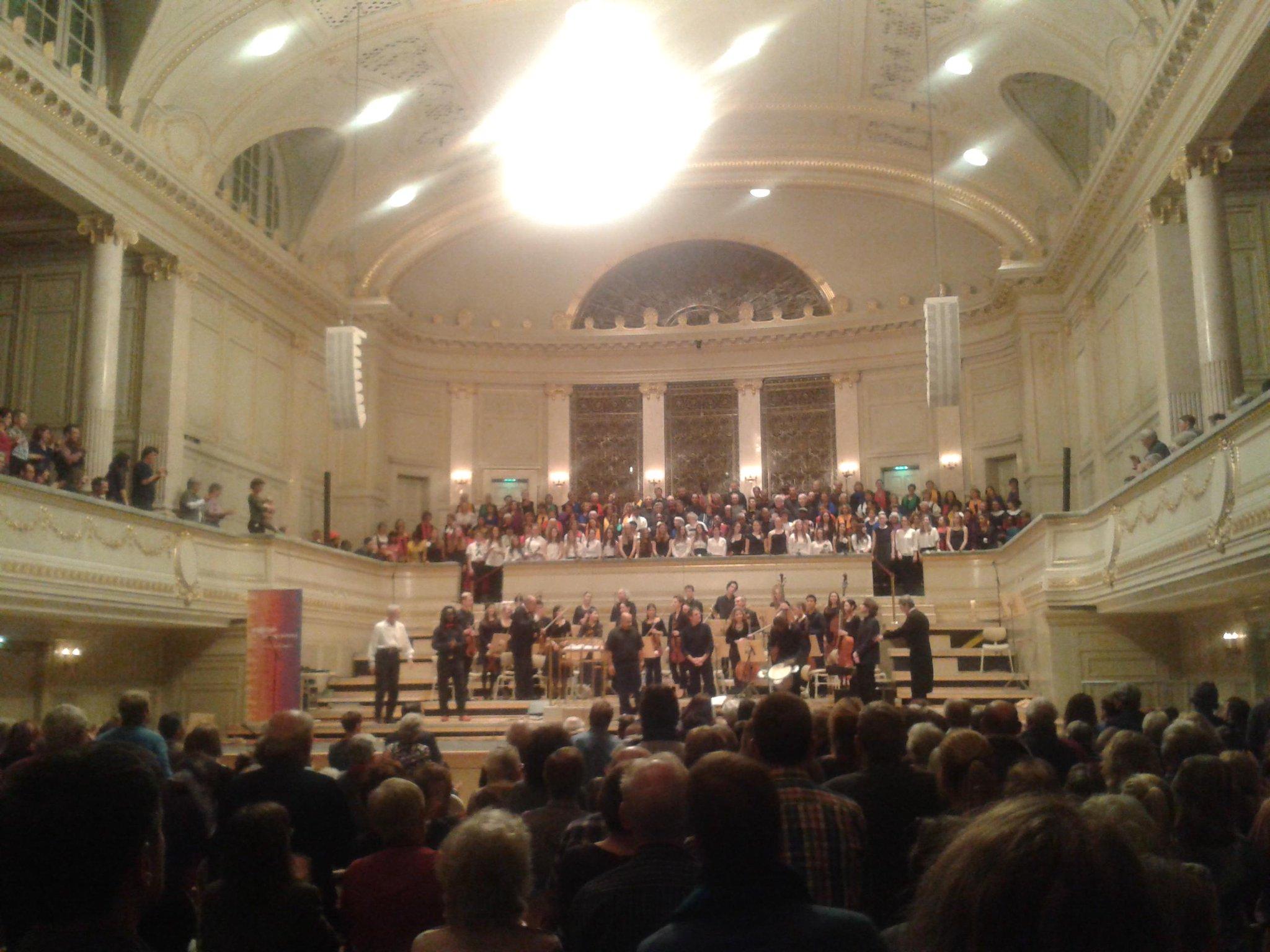 #ChorDerNationen #Bern. #Konzert heute in der #Kultur -Casino. Viele Sprache, eine Stimme. #musik http://t.co/wiKwipLxmQ