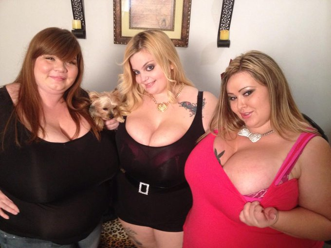 2 pic. Me @SashaaJuggs1 and @LexxxiLuxe last night b4 going to @clubbubbles714 @ClubBubbles http://t