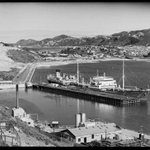 And in its heyday: You can see the incinerator chimney in this 1930s Miramar wharf photo. #Wellington #Miramar http://t.co/CHolWzDeb6