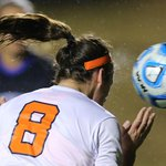 Cool shot of @alexishaff goal with the spray off the ball #NCAASoccer #GoHoos http://t.co/wH9yHtZfuN