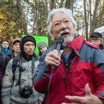 David Suzuki yells angrily at police defending Kinder Morgan drill crews on #BurnabyMountain http://t.co/mz606ONhhv http://t.co/yi3tYaIzlw