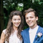 NEW Unseen photo of Eleanor and Louis at Jay and Dans wedding! ❤️ they are honestly so adorable. ???? http://t.co/g1EyoNaw3M