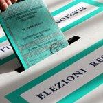 """""""@Corriereit: affluenza a picco Sei su dieci non hanno votato http://t.co/ByDxR7XXWZ http://t.co/eF8gRAllZm"""" #nonsonovalide #toulì"""