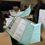 #RegionaliEr alle urne meno del 40% degli elettori. Rispetto al 2010 crolla laffluenza http://t.co/Yp0bak9Ukg http://t.co/3dYnPd3gVU