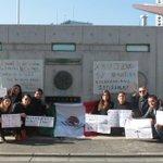 En la embajada mexicana en Tokio, Japón, concentración por #Ayotzinapa #AccionGlobalporAyotzinapa #20NovMX http://t.co/ru6ySllFoX