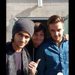 """Selfie de los chicos en los """"American Music Awards"""" hoy 23/Nov en Los Ángeles???????????? #MTVStars One Direction http://t.co/sazNm6fuid"""