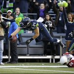 Photos: #Seahawks beat #Cardinals in defensive showdown - http://t.co/UZDy27zq7o - #AZvsSEA http://t.co/DD0B4M2Bly