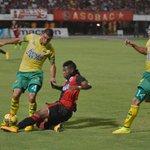 El Cúcuta Deportivo venció 2-1 al Bucaramanga y se quedó nuevamente con el clásico del oriente http://t.co/INB8tLKcNY http://t.co/wB12eycdAm