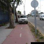 """En #Chillan no se pueden ocupar ciclovias pq """"conductores"""" la ocupan como estacionamiento @biobio http://t.co/sDUx1lRcJ2"""