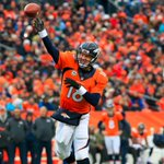 Broncos score 22 points in 4th quarter to beat Dolphins, 39-36.  Peyton Manning throws 4 TD, 3 to Demaryius Thomas. http://t.co/LkSaYaiHLc
