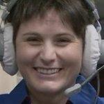 Il sorriso di Samantha ha svegliato lItalia. Samanthas smile woke up Italy! @AstroSamantha #Futura42 http://t.co/B3MSNDsAYF