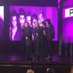 All about boy bands! @onedirection wins best pop/rock album! #AMAs #TWCAMAAccess http://t.co/Z8Z8hfElkm