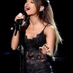 #FLAWLESS Ah, found them shes on Getty Images -- My new favorite @ArianaGrande #AMAs http://t.co/d2nzNudkfw http://t.co/fNOJ4ElX0o