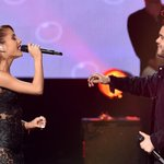 Ariana Grande owned the #AMAs with her medley http://t.co/LrVHiMYz5H http://t.co/wSGADI2NbG