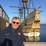 Landed today on Plymouth Rock in the Mayflower.Happy Thanksgiving!! http://t.co/ewkd01DcW5