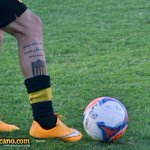 Postales contra Fénix: el tatuaje de Jonathan Rodríguez. Foto de @ifernandezantia http://t.co/pqWIuhql2q
