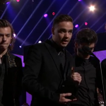 DIRECTIONERS! Thanks to YOU, @onedirection is named the #AMAs Artist of the Year! INCREDIBLE! #AOTY #1D3Peat http://t.co/WeqgfhbbD4