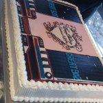 音ゲーマー同士の結婚式に来たらウエディングケーキがガチだった http://t.co/NyJbESajoi