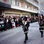 早くも札幌最終日! 寒さに負けず沢山の人が待ってくれている中、メンバー会場入りしました! http://t.co/wZMG78YIDP