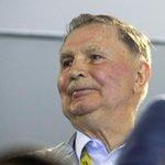 МОЛНИЯ В Москве скончался легендарный хоккеист и выдающийся тренер, трёхкратный олимпийский чемпион Виктор Тихонов http://t.co/hrMWiPVXnB