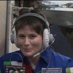 Ecco alcune foto di @AstroSamantha sulla #ISS #Futura42 http://t.co/F00hONsaQd