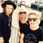 Nialls got a selfie stick. omg Im laughing so hard I just spit my water everywhere #MTVStars One Direction http://t.co/JOAA5lpZHQ