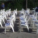 80 sillas de plástico preparadas para el acto de Lacalle Pou en acto de cierre en Montevideo. AHORA crónica de NTN http://t.co/dz4nGhllLE