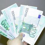 Жизнь налаживается: евро упал ниже 56 рублей, доллар опустился ниже 45 http://t.co/UpdtHNxBKj http://t.co/fwRdDu7Vlm