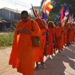 """Livestream: Trial of Cambodian """"Multimedia Monk"""" Venerable Sovath http://t.co/YWY6uY6DBU #Cambodia #RightsKH #HRD http://t.co/lyqKh5IEqT"""