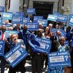 #SonSienAlles: #DA MARCH TEEN ZUMA @DA_News @JacobZuma1 @ancparliament http://t.co/BHqtQ4ZT8l http://t.co/s7iefNB84w