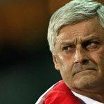 Armin #Veh hat seinen sofortigen Rücktritt als Cheftrainer des #VfB erklärt. http://t.co/HI8FiL0eYJ http://t.co/c3dKinseza