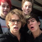 still cant over with @5SOS selfie at #AMAs2014 youre so fab guys x http://t.co/c5PBd56o6O