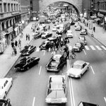 The day Sweden changed from left hand drive to right, 1967 http://t.co/oNPq8A5MVq
