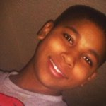 Policial confunde arma de brinquedo com real e mata menino nos EUA http://t.co/2cV2hDt1Rl http://t.co/vbBZ1Zq9Sd