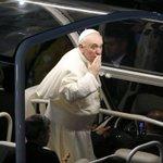 Réveillon em Copacabana contará com mensagem do @Pontifex_pt ao Rio. http://t.co/7OgPend7cS http://t.co/PeYdfUJhOe