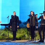 "#HQ The boys performing ""Night Changes"" at the 2014 AMAs. (11/23/14) #6 http://t.co/MEQCr7WUop"