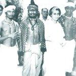 Indira Gandhi with astrologer-palmist Pandit Srigiri http://t.co/TMIOz44ejK @ggiittiikkaa @rishibagree @anilkohli54 http://t.co/zutODNl3Zp