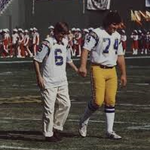 The image that inspired the @Chargers blood drive. #rolfbenirschke and #louiekelcher are here at 6:50am. @SanDiego6 http://t.co/goZpeBb7zs