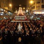 Málaga entera acompañó al Señor de Málaga a pesar del tiempo. #75AnivCautivo #CofradiasMLG http://t.co/GpN4s91nUX